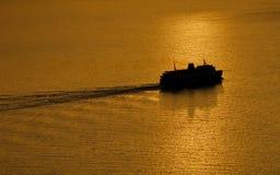 Veerboot op zee Royalty-vrije Stock Foto's