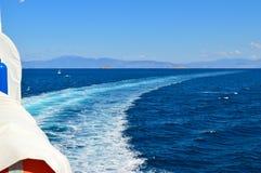 Veerboot in Piraeus haven, Athene, Griekenland op 19 Juni, 2017 Stock Afbeelding