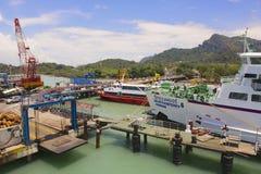 Veerboothaven in Donsak in de provincie van Surat Thani, Thailand Royalty-vrije Stock Fotografie