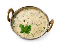 Vegan και χορτοφάγο ινδικό πιάτο κουζίνας, κρύα σούπα raita γιαουρτιού Στοκ φωτογραφία με δικαίωμα ελεύθερης χρήσης