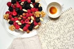 Vegan breakfast with berries and coffee Royalty Free Stock Images