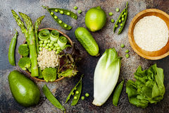Free Vegan, Detox Green Buddha Bowl Recipe With Quinoa, Cucumber, Broccoli, Asparagus And Sweet Peas. Stock Photo - 95245310