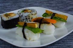 Veganistsushi op plaat Stock Foto