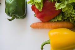 Veganistvoedsel op wit Stock Foto's