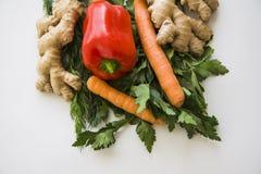 Veganistvoedsel op wit Royalty-vrije Stock Foto's