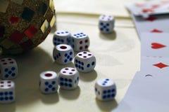 Vegas-Konzept - Würfel- und Discoball Stockfotografie