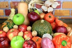 Vegatables und Früchte. Stockfoto