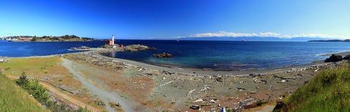 Vegende Meningen van Fisgard-Vuurtoren en Esquimalt-Haveningang, Victoria, Brits Colombia stock fotografie