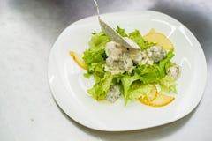 Vegetable салат с печенью в сливк стоковые фотографии rf