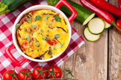 Vegetable casserole in a red pot Royalty Free Stock Photography