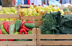 Vegetable crates market stall Stock Images