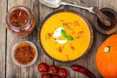 Vegetable cream суп с шафраном стоковое изображение