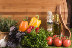 Free Vegetable Food Over Wood Royalty Free Stock Images - 6717199