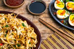 Free Vegetable Noodles With Soy Sauce And Ketchup Stock Images - 147113834