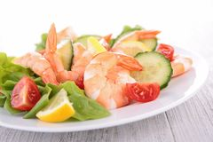 Vegetable salad with shrimps Royalty Free Stock Photography