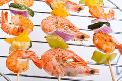 Vegetable and shrimp kebabs Royalty Free Stock Photography