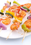 Vegetable and shrimp kebabs Stock Photography