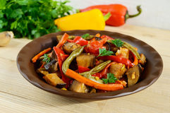 Vegetable stew salad: bell pepper, eggplant, asparagus beans Stock Photography