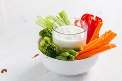 Vegetable sticks and yogurt dip Royalty Free Stock Photos