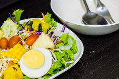 Vegetables and fruits salad Royalty Free Stock Photos