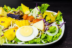 Vegetables and fruits salad Royalty Free Stock Images