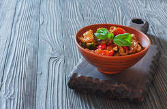 Vegetables stewed in clay pot Royalty Free Stock Photos