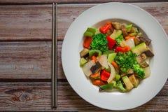 Vegetais chineses na placa foto de stock