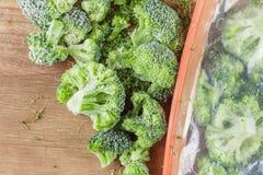Vegetais congelados dos brócolis imagens de stock