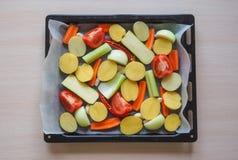 Vegetais cozidos deliciosos no pergaminho Imagem de Stock