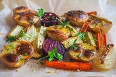 Vegetais cozidos deliciosos no pergaminho Fotografia de Stock Royalty Free