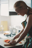 Vegetais da estaca da mulher nova Fotografia de Stock
