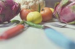 Vegetais de fruto do dragão da couve dos tomates do cal Fotografia de Stock Royalty Free