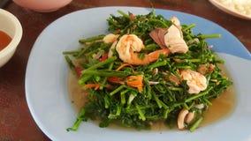 Vegetais e camarão fritados Foto de Stock Royalty Free