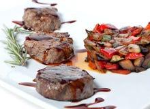 Vegetais e carne Roasted Imagens de Stock Royalty Free