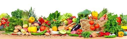 Vegetais e frutas orgânicos foto de stock