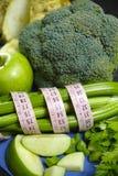 Vegetais e frutos verdes - aipo vermelho, brócolis, tiros do aipo Fotografia de Stock