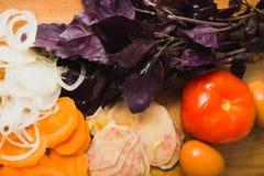 Vegetais e manjericão Imagem de Stock