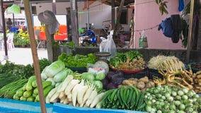vegetais em um mercado exterior foto de stock