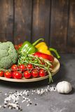 Vegetais em um pálido foto de stock