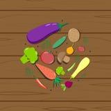 Vegetais em um tomate de madeira da textura Fotografia de Stock