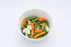 Vegetais em uma bacia Foto de Stock Royalty Free