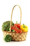 Vegetais em uma cesta Fotografia de Stock Royalty Free