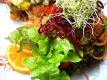 Vegetais em uma placa Foto de Stock