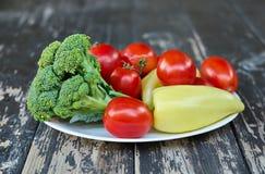 Vegetais em uma placa Fotografia de Stock Royalty Free