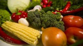 Vegetais em uma tabela video estoque