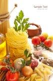 Vegetais, especiarias e massa Imagem de Stock