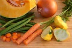 Vegetais frescos do corte foto de stock royalty free