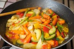 Vegetais fritados na bandeja Fotografia de Stock Royalty Free