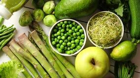 Vegetais, frutos e ervas orgânicos antioxidantes verdes vídeos de arquivo