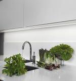 Vegetais no worktop na cozinha Fotografia de Stock Royalty Free